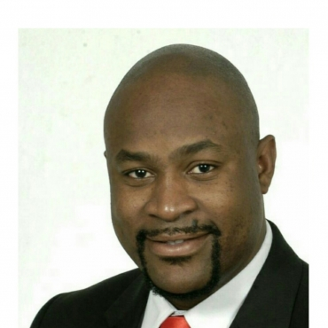 Dr Maurice Smith